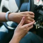 wat is de juiste stand voor je handen aan het stuur